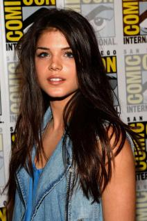 Marie Avgeropoulos photo 16
