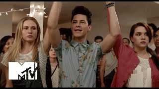 Faking It Bande-annonce VO