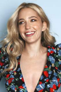 Jessica Rothe photo 2