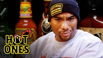 Hot Ones - Saison 3 - Episode 13 Extrait VO