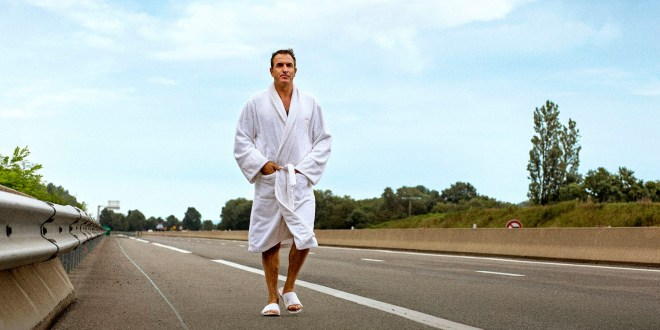 I Feel Good : Critique du film avec Jean Dujardin.