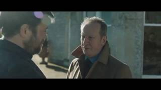 Happy New Year, Colin Burstead Extrait VO